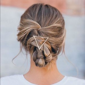 Accessories - Silver Triangle Barrette